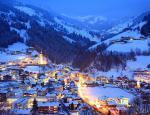 Dachstein - vánočně osvícené městečko